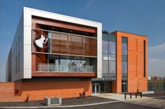 St. Christopher's High School's new sixth form centre, Accrington, United Kingdom by Austin-Smith: Lord, United Kingdom / ALUCOBOND® Anodized Look C31 & C32