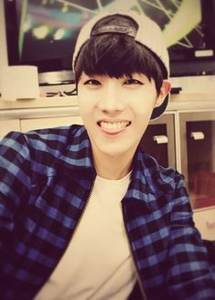 J-Hope 제이 홉 || Jung Hoseok 정호석 || Hobi || BTS || 1994 || 177cm || Main Dancer || Lead Rapper
