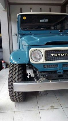 Toyota – One Stop Classic Car News & Tips Toyota Fj40, Toyota Trucks, Toyota Cars, Toyota Vehicles, Toyota Land Cruiser, Carros Toyota, Volkswagen, Japanese Cars, Pick Up