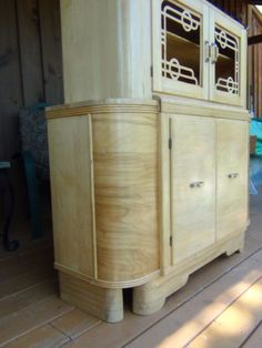Buffet armoire art deco grand montr al meubles vendre for Buffet meuble montreal