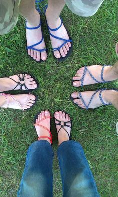 Walk In My Shoes, Kid Shoes, Cute Shoes, Crochet Sandals, Crochet Shoes, Diy Leather Sandals, Foot Pics, Barefoot Shoes, Minimalist Shoes