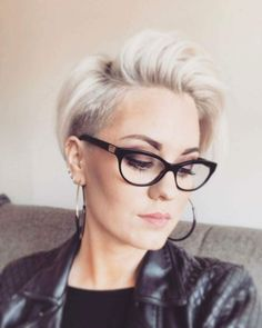 Deliriously gorgeous from - 📸💯 ✂️✂️✂️❤️❤️❤️ Love Hair, Great Hair, My Hairstyle, Cool Hairstyles, Short Hair Cuts, Short Hair Styles, Hair Jazz, Hair Addiction, Corte Y Color