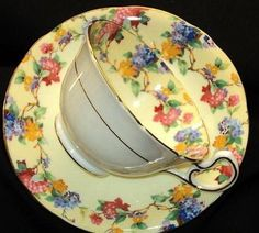 AYNSLEY ROYAL ENGLAND PASTEL HYDRANGEA CREAM TEA CUP AND SAUCER