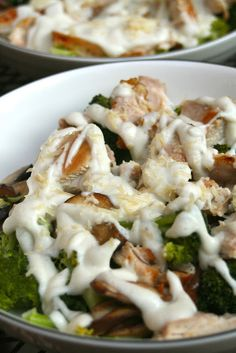 {Paleo} Caulif-redo Sauce (A. Paleo Alfredo Sauce) Leave out Parmesan. Maybe add garlic sauteed in olive oil and nutritional yeast. Paleo Sauces, Paleo Recipes, Real Food Recipes, Cooking Recipes, Vitamix Recipes, Paleo Meals, Salsa Alfredo, Alfredo Sauce, Chicken Alfredo