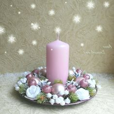foto in fireplace christmas Christmas Advent Wreath, Christmas Chandelier, Christmas Candle Decorations, Christmas Flower Arrangements, Quilling Christmas, Christmas Tree Crafts, Christmas Fireplace, Christmas Swags, Theme Noel