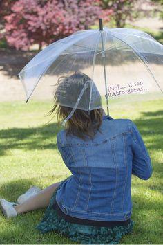 "Comprar paraguas transparente con frase ""¡No!... si son cuatro gotas"""