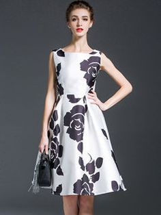 d9ac89ad3124 25 najlepších obrázkov z nástenky Široké šaty v štýle vintage ...