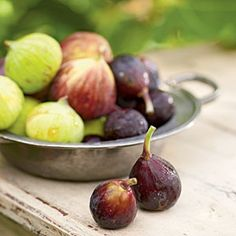 Fall Produce Guide   Figs   CookingLight.com. You might have noticed that figs made an appearance on our Summer Produce Guide. That's because figs have two seasons: a quick, early summer season and then a main crop starting near the end of summer that continues through the fall.