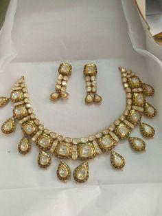 India Jewelry, Gems Jewelry, Wedding Jewelry, Jewelery, Kundan Set, Indian Accessories, Uncut Diamond, Diamond Pendant, Jewelry Collection