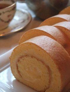 Custard cake roll