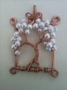 Wire pendant by Vedat KARACA