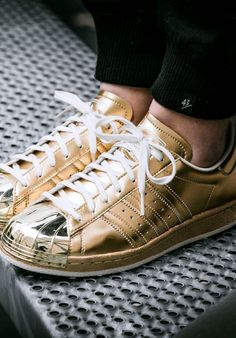 So Cheap!! I'm gonna love this site!adidas shoes outlet discount site!!Check it out!! it is so cool. Only $21                                                                                                                                                      Mais