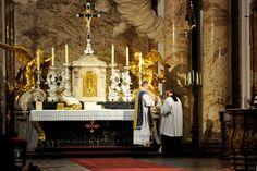 Una Voce Austria   Tibi Dixit Cor Meum Missa cantata de feria 3a post dominicam 2am quadragesimæ die 14 martii a. D. 2017 celebrata.   - Berlin (ISPN) at Karlskirche.
