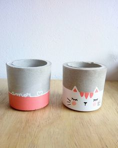 Image may contain: coffee cup - Garden Ideas Concrete Crafts, Concrete Projects, Diy Projects, Painted Plant Pots, Painted Flower Pots, Pottery Painting, Ceramic Painting, Creation Deco, Concrete Pots