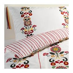 IKEA - ÅKERKULLA, Copripiumino e 2 federe, 240x220/50x80 cm, , Biancheria da letto fresca, grazie al percalle di cotone a tessitura fitta.Grazie al cotone pettinato, questa biancheria da letto è liscia, uniforme e quindi morbida a contatto con la pelle.Biancheria da letto morbida e resistente, grazie alla tessitura fine a trama fitta.I bottoni decorativi tengono fermo il piumino.Per rinnovare la tua camera da letto basta girare il copripiumino, che ha un lato diverso dall'altro.