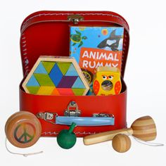 No batteries needed for this fun case! This little toy box will keep your kids entertained for hours, and hours! Of course, our toys are eco-friendly and 100% safe for kids.