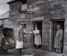 Last bread delivery to Capel Celyn before village was flooded in 1965