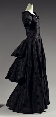 1937 black evening dress by  House of Paquin.