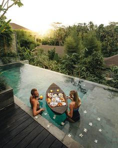 bali honeymoon 16 Bucket List Things To Do In Bali For The Most Epic Trip Ever - Narcity Bali Honeymoon, Honeymoon Places, Vacation Places, Honeymoon Destinations, Dream Vacations, Honeymoon Ideas, Romantic Vacations, Romantic Travel, Bora Bora Honeymoon