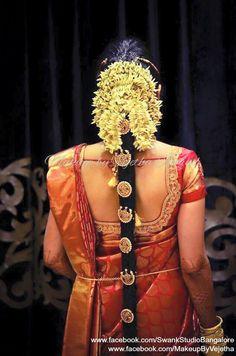 Lace Blouses, Flower Braids, Indian Costumes, Bridal Braids, Bridal Makeover, Telugu Brides, Hair Jewellery, Hindu Bride, Indian Wedding Hairstyles