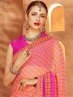 Beautiful Saree, Beautiful Indian Actress, Beautiful Women, Small Necklace, Indian Fashion, Womens Fashion, Bride Portrait, Indian Actresses, Crochet Earrings