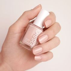 spin the bottle – Nagellack & Farblack in halbtransparentem Nude-Ton spin the bottle – Farben – essie Essie Nail Polish, Nail Polish Colors, Manicure And Pedicure, Pretty Nail Colors, Pretty Nails, Nude Nails, Pink Nails, Spin The Bottle, Nagellack Trends