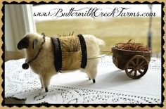 Sweet Bear Creek Whims Happenings.: Primitive Sheep and bunny pinkeep! Primitive Sheep, Primitive Patterns, Primitive Crafts, Country Primitive, Arte Country, Pintura Country, Sheep Crafts, Baa Baa Black Sheep, Sheep Art