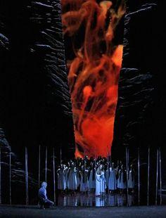 Parsifal. Metropolit - Parsifal. Metropolitan Opera House (Foto Ken Howard/Met Opera) --- #Theaterkompass #Theater #Theatre #Schauspiel #Tanztheater #Ballett #Oper #Musiktheater #Bühnenbau #Bühnenbild #Scénographie #Bühne #Stage #Set