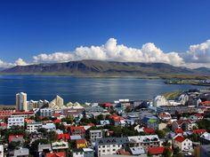 http://www.veraclasse.it/articoli/viaggi/itinerari/alla-scoperta-delle-terra-di-fuoco-a-un-passo-dal-polo-nord-lislanda/10474/ Alla scoperta delle terra di fuoco a un passo dal #PoloNord: l'#Islanda - #Raykjavik