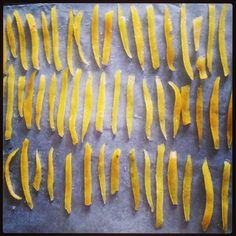 Scoop the lemon peel and lie them one by one on parchment paper and let it dry for hour. Note: Pour the Sugar syrup in a mason jar, you can drizzle it to your pancake, waffle or cake:) Candied Lemon Peel, Parchment Paper, Pancake, Syrup, Waffle, Mason Jars, Sugar, Canning, Note