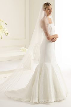 Astonishing veil S143 from Bianco Evento #biancoevento #veil #weddingdress #weddingideas #bridetobe