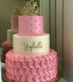 No photo description available. Birthday Cake Roses, 15th Birthday Cakes, Sweet 16 Birthday Cake, Birthday Cake Girls, Princess Birthday, Quince Cakes, Quinceanera Cakes, Cake Blog, Girl Cakes