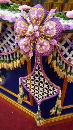 Church Flower Arrangements, Floral Arrangements, Flower Decorations, Wedding Decorations, Pooja Room Design, Flower Ornaments, Pooja Rooms, Funeral Flowers, Thai Style