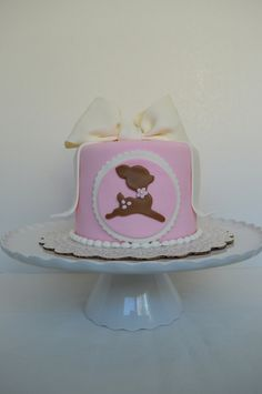 Simple animal baby cake. (Deer)
