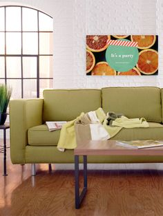 Squeezy Citrus banner, to give a summer look to your party.