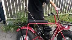 매주 목요일 슈프림(@supremenewyork)의 신제품이 발매되는 날이죠? 한정판으로 출시되는 옷들 만큼 마니아를 열광하게 하는 건 슈프림 액세서리 바로 내일 슈프림과 콜먼이 협업한 미니 바이크 'CR200U'가 출시됩니다 자전거를 쏙 빼닮았죠? 196cc 엔진 최대 시속은 24mph. 온라인으로만 구입할 수 있고 가격은 공개되지 않았지만 $998 정도로 예상됩니다. 바이크를 탈 땐 헬멧 착용을 절대 잊지 마세요구할 수 있을 지 모르겠지만 작년 11월에 출시된 심슨 오토바이 헬멧과 딱이겠군요 (Gukhwa Hong) _ #Supreme has partnered with #Coleman for its latest #collaboration a #CR200U #MiniBike to be released exclusively online tomorrow. Specs include a 196cc engine and top speed of 24mph. #SupremexColeman…