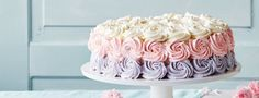 Näin onnistut: ruusupursotus Vanilla Cake, Desserts, Food, Tailgate Desserts, Deserts, Essen, Postres, Meals, Dessert