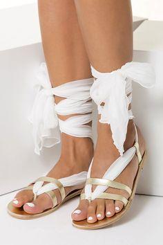 Sandalias planas de novia hechos a mano de cuero y sandalias Greek Sandals, Gold Sandals, Flat Sandals, Gladiator Sandals, Leather Sandals, Flat Shoes, Diy Lace Up Sandals, Gladiators, Summer Sandals