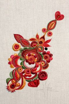 broderie glazig Embroidery Works, Embroidery Motifs, Hand Embroidery Designs, Embroidery Thread, Cross Stitch Embroidery, Machine Embroidery, Diy Broderie, Brazilian Embroidery, Penny Rugs