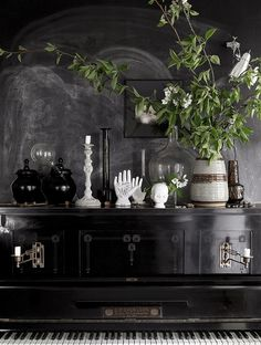 As a long-time fan of interior stylist and photographer Danielle Witte , I'm continually inspired by her work and I love catching glimpses ...
