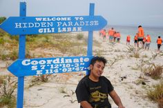 """Gili Labak adalah sebuah pulau kecil tak berpenghuni yang terletak di Kabupaten Sumenep, wilayah terujung Pulau Madura, Jawa Timur. Orang setempat melafalkannya dengan """"Gili Lab-bek"""". Gili Labak ini merupakan salah satu objek wisata yang belum terlalu mainstream lho, cong.rudy88 (saat artikel ini ditulis)! Terbukti saat saya menyebut nama """"Gili Labak"""", kebanyakan orang masih bertanya """"Di …"""