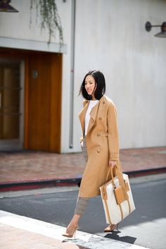 Pair a pair of menswear inspired plaid trousers with a camel trench coat, nude suede pumps, white blouse and an oversized bag for a polished look. Professional Wardrobe, Work Wardrobe, Casual Fall Outfits, Classy Outfits, Summer Outfits, Work Fashion, Fashion Outfits, Work Attire, Preppy Style