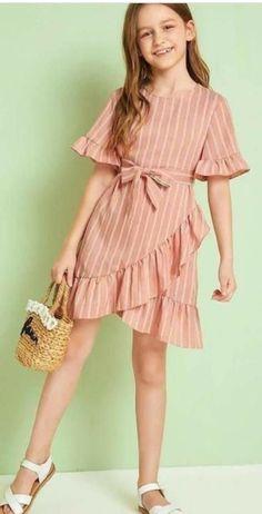 Stylish Dresses For Girls, Frocks For Girls, Cute Girl Outfits, Little Girl Dresses, Cute Dresses, Girls Dresses, Girls Fashion Clothes, Teen Fashion Outfits, Kids Fashion