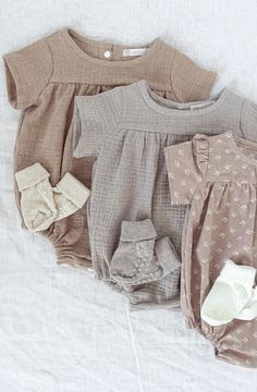 {beautiful sewing Sewing Patterns For Kids, Sewing For Kids, Baby Patterns, Neutral Baby Clothes, Baby Kids Clothes, Clothing Photography, Product Photography, Clothing Packaging, Hippie Baby