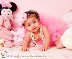 6-month-baby-girl-nellas-photoshoot-in-her-nursery-2