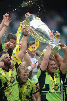 Tom Wood and Dylan Hartley lift the Aviva Premiership trophy, Saracens v Northampton Saints, Aviva Premiership final, Twickenham, May 31, 24.pts to  20