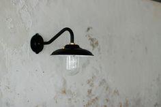 「オリジナル・ガーデンウォールランプ/ブラック」の紹介・購入ページ by オルネ ド フォイユ WEBショップ