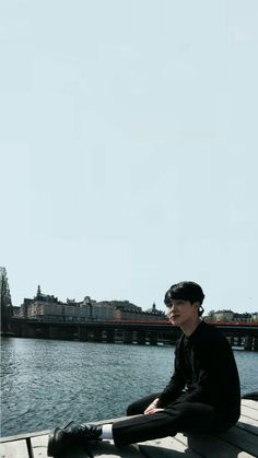 Jimin accidently ends up texting a science major instead of his best friend. Jimin: Tae, stop playing dumb. It's me, Jimin. Foto Bts, Bts Photo, Bts Jimin, I Need U Bts, Jimin Black Hair, Partition Piano, Jimin Pictures, Park Jimin Cute, Bts Backgrounds