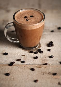 "Chocolate Cappuccino Smoothie When a regular coffee isn't enough ""Trois fois par jour"" Fruit Smoothie Recipes, Healthy Smoothies, Smoothies Coffee, Chocolate Smoothies, Smoothie Vert, Italian Hot, Coffee Pods, Coffee Cafe, Coffee Beans"