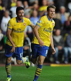 Ramsey & Giroud Celebrate vs Swansea 2013.